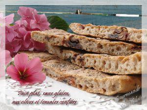 Recette Pain plat sans gluten, aux olives et tomates confites