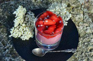 Recette Mousse de fraises aux fleurs de sureau