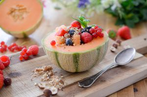 Recette Salade de melon aux fruits rouges et dukkah sucré