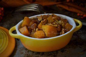 Recette Poêlée végétarienne de courge butternut, noix et raisins secs