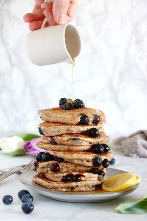 Recette Pancakes aux myrtilles, citron et graines de pavot