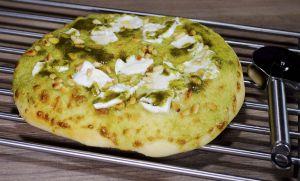 Recette Pizza ou focaccia au pesto de sauge, mozzarella et pignons