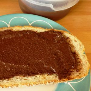 Recette Pâte à tartiner maison: le Datella (amandes-dattes-cacao)