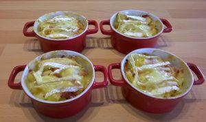 Recette Cocottes de pommes au camembert et aux lardons