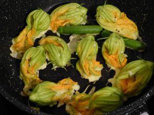 Recette Des fleurs de courgette poêlées