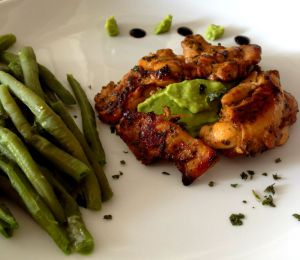 Recette Pilons de poulet, rôtis aux épices et guacamole (à manger avec les doigts)