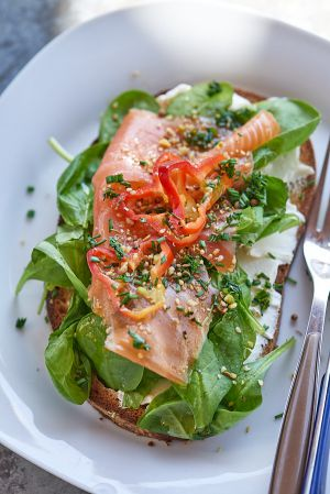 Recette Tartine au saumon fumé