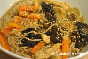 Recette Soupe asiatique poulet soba - Cuisiner Simple