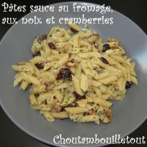 Recette Pâtes sauce au fromage, aux noix et cramberries