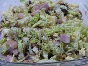 Recette Salade de chou blanc, dés de jambon et cerneaux de noix