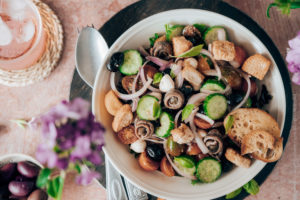 Recette Panzanella, salade toscane estivale