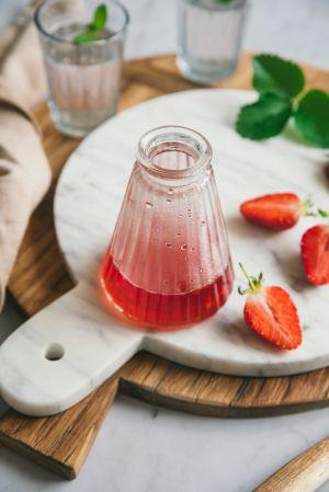 Recette Sirop de fraise maison {avec les queues, sans gaspillage}
