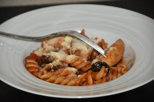 Recette MES RECETTES ET VOUS - P?tes au poulet et tomates s?ch?es de Mauricette