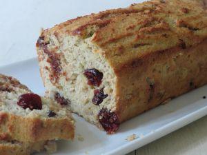 Recette Cake aux bananes et  la noix de coco, aux cranberries et au chocolat au lait alternatif