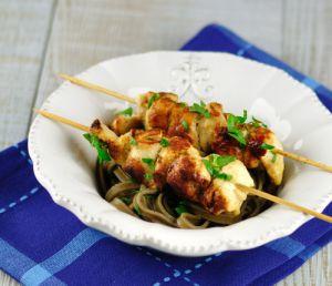 Recette Cuisine d'été: brochettes de poulet mariné citron-ail-moutarde-basilic
