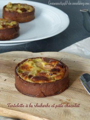 Recette Tartelette à la rhubarbe et pâte sablée chocolat