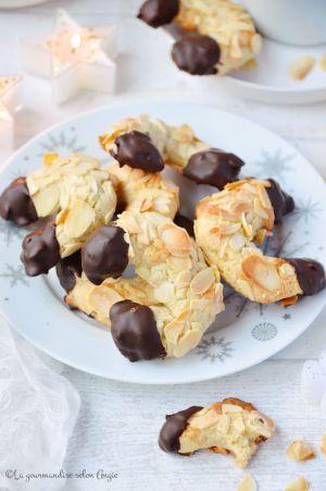 Recette Croissants {pâte d'amande, amandes & chocolat} #vegan #Noël