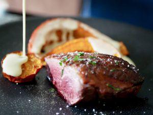 Recette Filet de canette grillé. Potimarron rôti. Sauce à la crème de parmesan
