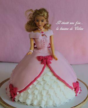 Recette Gateau poupéé Gateau barbie blonde { pâte à sucre }