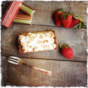 Recette Ma tarte à la rhubarbe (comme une tarte au citron) meringuée