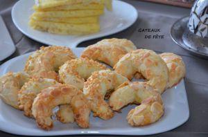 Recette Tcharek gateaux algeriens croissants aux amandes pâte sans levure