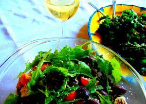 Recette Salade de kale masala (avec croque-végépâté et salade grecque)