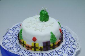 Recette Gâteau décoré en pâte à sucre pour Noël