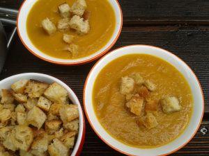 Recette Soupe de citrouille épicée et ses croûtons au fromage