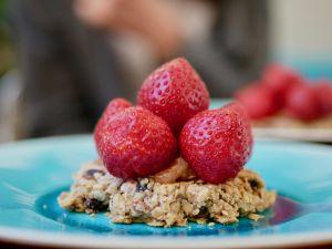 Recette [Cuisinons les céréales!][En mode gastronomique!] Tarte muesli aux fraises et à la rhubarbe