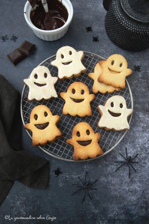 Recette Biscuits fantômes fourrés au chocolat #Halloween