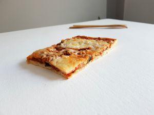 Recette Pizza tomate, champignons, jambon, bacon et mozzarella