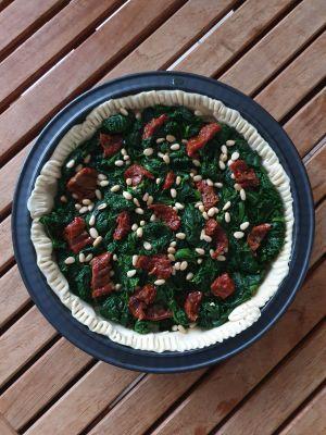 Recette Tarte aux épinards, tomates séchées et pignons