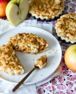 Recette Tarte aux pommes façon crumble (et confiture de fraises)