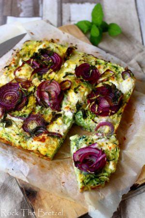 Recette Frittata aux courgettes, fromage de chèvre et oignons rouges