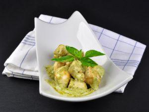 Recette Cuisine d'été: dés de poulet sauce mayonnaise-pesto-cream cheese