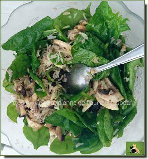 Recette [Recette] Mélange de riz, baby épinards et pistaches qui compose une salade
