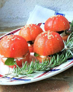 Recette Hamburger de tomate au chèvre & à l'aubergine