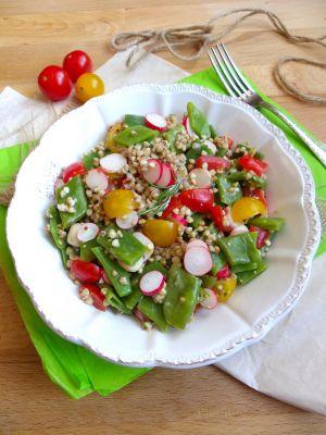 Recette Salade de sarrasin, haricots plats, tomates cerises et radis roses
