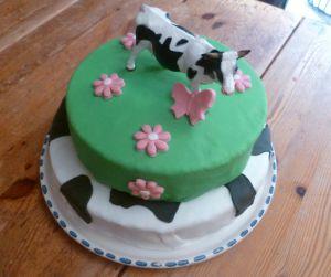 Recette Gâteau en pâte à sucre: sur le thème des vaches