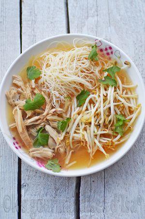 Recette Soupe tonkinoise au poulet (de kim thuy)
