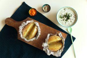 Recette Pommes de terre au four et sauce à la menthe