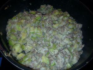 Recette Poêlée de riz-courgettes et viande hachée