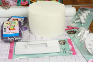 Recette Comment recouvrir un gâteau de pâte à sucre