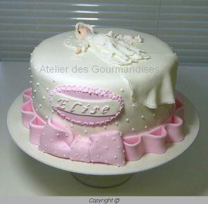 Recette Gâteau baptême pour Elise, en pâte à sucre