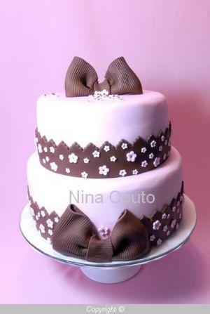 Recette Gâteau marron et rose en pâte à sucre