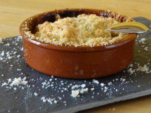 Recette Crumble pomme-poire, pépites de chocolat au caramel
