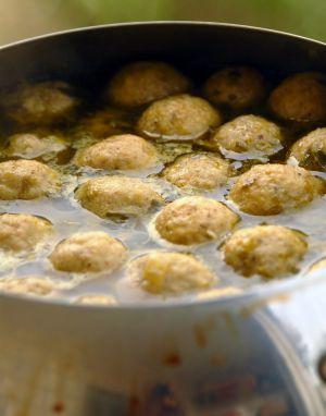 Recette Knaidlach, boulettes de farine azyme pour soupes et potages - seder - Nouvel an juif