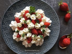 Recette Pavlova aux fraises recette facile au companion thermomix ou sans robot