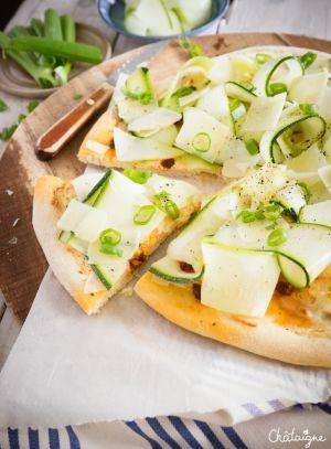 Recette Pizza à la ricotta et aux courgettes