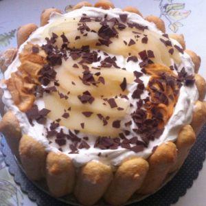 Recette Charlotte aux 3 poires ( poires au sirop poires fraîches et poires séchées ) avec sa chantilly à la vanille et compotée de poires